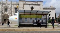 TAP traz avião para Belém, outdoor que aproveita o espaço